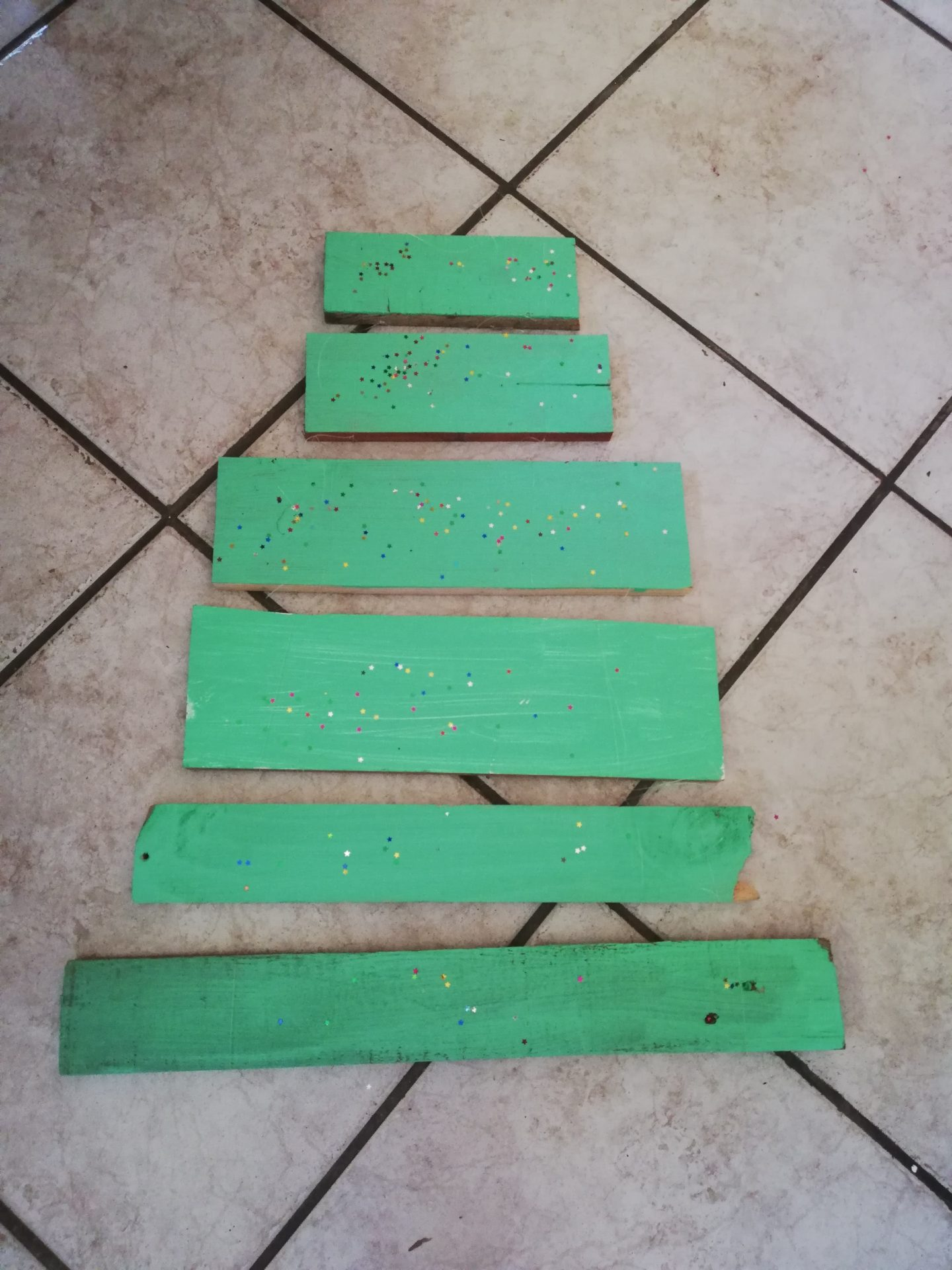 DIY Wooden Christmas Tree | HarassedMom